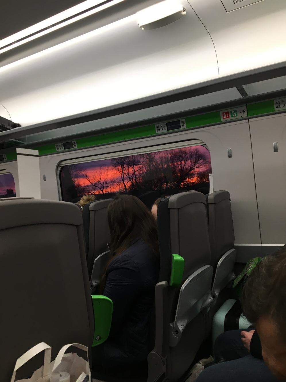 Sunset op de trein London - Worcester