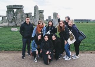 Stonehenge - Phil, Irune, Melissa, Min, Chiara, Eleanora, Malin en Ally